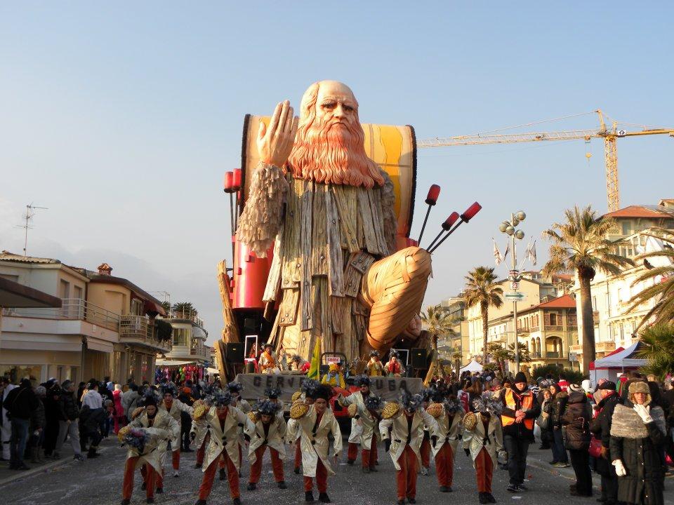 Carnevale di Viareggio: Leonardo Da Vinci