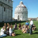 La nostra guida Gabriele in Piazza dei Miracoli
