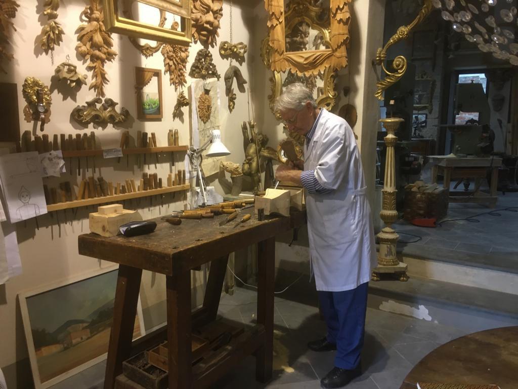 Intaglio legno a Lucca