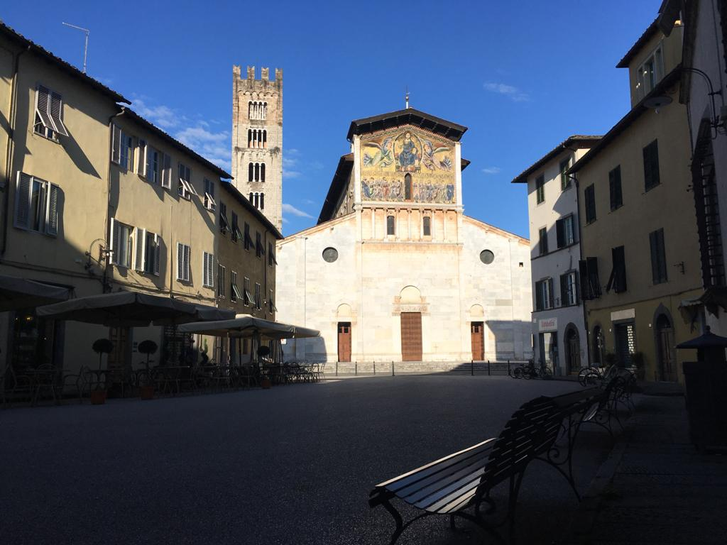 Piazza San Frediano vuota