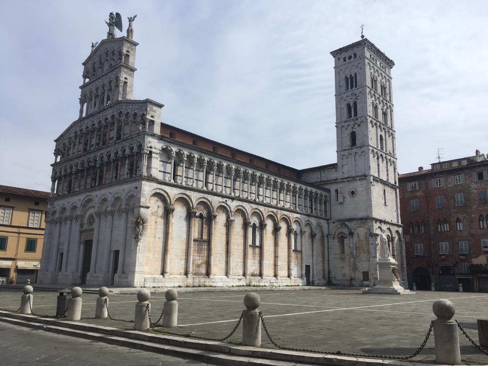 Piazza San Michele deserta