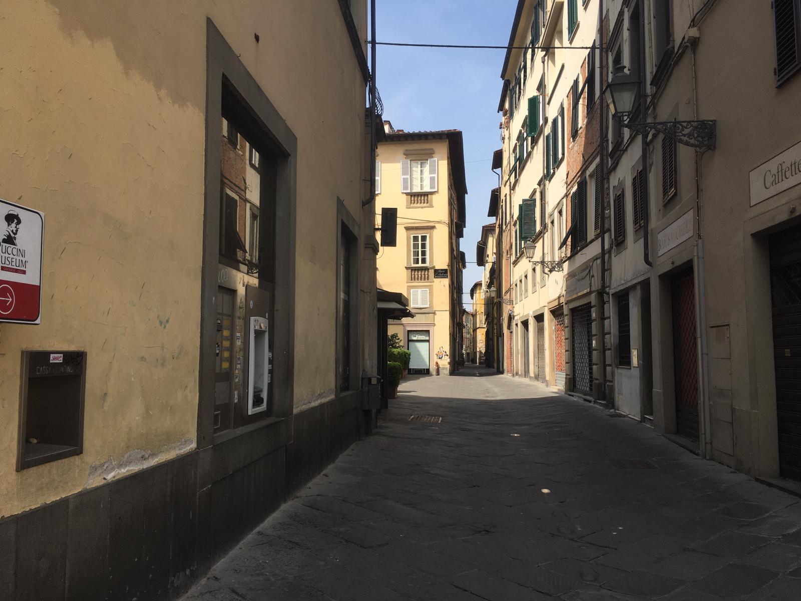 Via San Paolino deserta